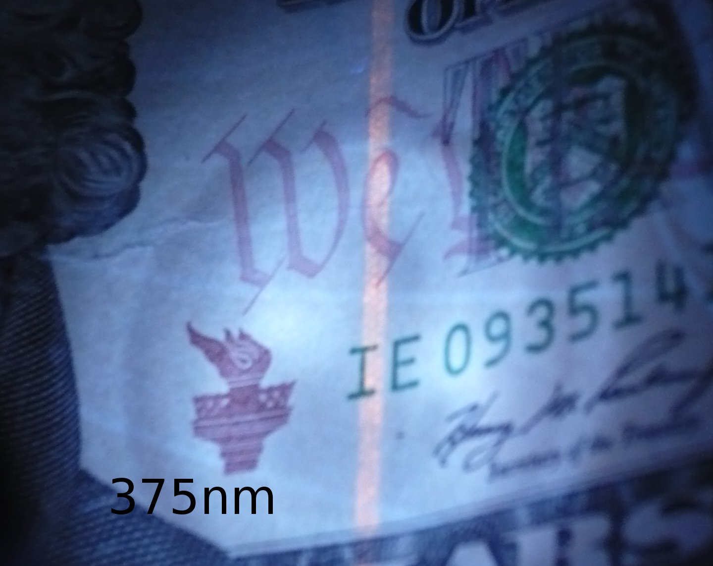 $10 seen using this 365nm flashlight